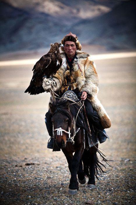 043017 eagle hunter