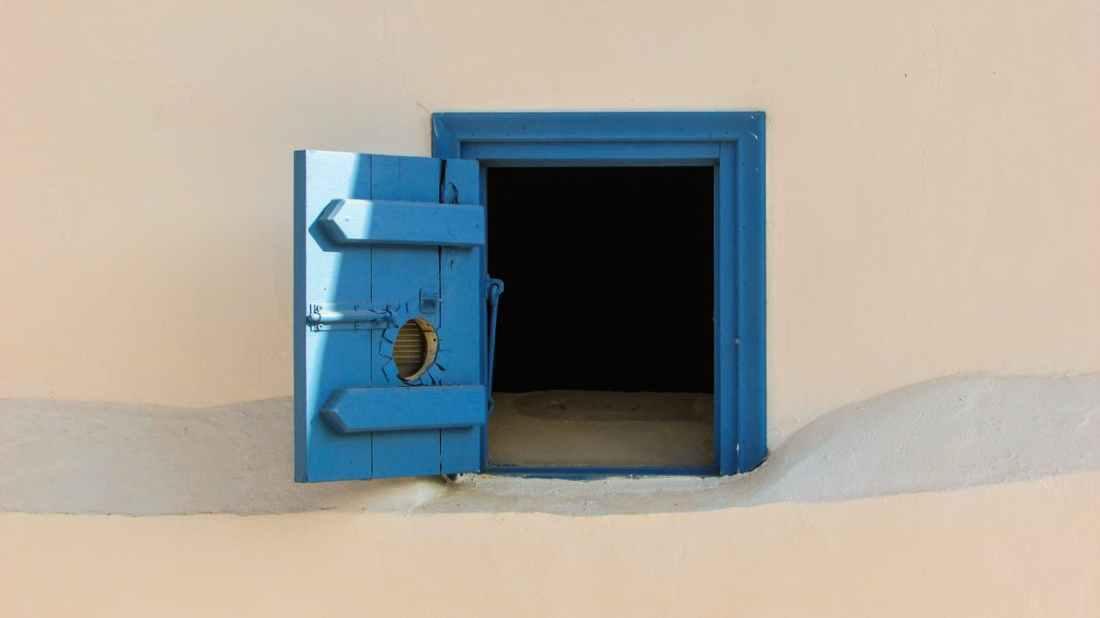030418 blue door